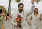 Bị bồ 'đá', cay cú tổ chức cưới linh đình với chính mình