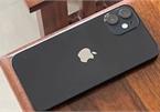 """Thực hư iPhone 12 mini chỉ """"trụ"""" được hơn 2 tiếng khi chơi game 3D"""