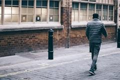 Cãi nhau với vợ, người đàn ông đi bộ 420 km không nghỉ