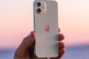 """Đại lý đua nhau xả hàng, giá bán iPhone 12 Mini """"chạm đáy"""" tại Việt Nam"""