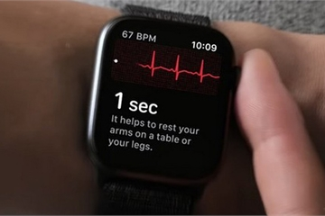 Smartwatch sẽ có thể theo dõi mức đường huyết mà không cần lấy máu