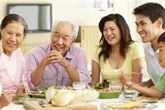 Bí kíp ăn tiệc cuối năm không lo tăng cân