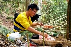 Chàng trai bỏ phố lên rừng: Nướng cá trên đá, luộc trứng trong ống nứa