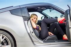 """Những """"cực phẩm"""" của phụ nữ trong thế giới xe hơi"""