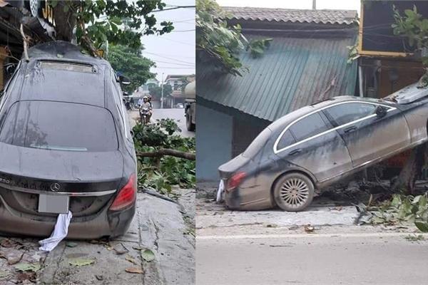 """Rao bán ô tô Mercedes cam kết """"không đâm đụng"""", xe bị """"bóc phốt"""" đã tai nạn"""