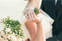 Suy sụp với cô em gái 33 tuổi, cưới chồng lần 4