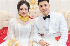 Cô dâu 9X xinh đẹp đeo vàng trĩu cổ, kín tay trong ngày cưới gây sốt mạng
