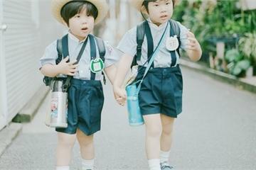 """Người Nhật dạy con ngoan nhờ """"cái ôm 8 giây"""" và """"5 phút thủ thỉ"""""""