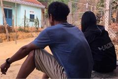 Chuyện của 2 thiếu nữ rời làng xuống phố, bị tra tấn ép làm 'tay vịn'