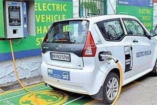 Ấn Độ tuyên bố sẽ trở thành nước sản xuất xe chạy điện số 1 thế giới