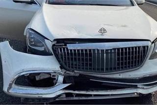 Chiếc Mercedes bung túi khí và chi tiết nhỏ trên xe gây nhiều tranh cãi