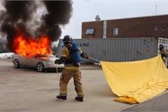 Chăn chữa cháy ô tô, giải pháp hay của Na Uy