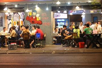 Quán nhậu Sài Gòn xập xình, nhộn nhịp bất chấp lệnh cấm tụ tập đông người
