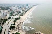 Thành phố biển Sầm Sơn 'ngủ đông' ngay những ngày đầu hè