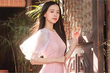 Nữ sinh Đà Nẵng khoe sắc xuân thì trong tà áo dài duyên dáng