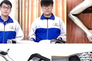 """Sự kiên trì của đôi bạn chế tạo """"Cánh tay Robot"""" đoạt giải KHKT quốc tế"""