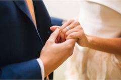 Sau 10 năm ly hôn, ngày gặp lại vợ cũ tôi càng thêm xấu hổ