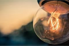 Kỳ lạ bóng đèn phát sáng 120 năm vẫn không hỏng