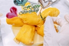 Bánh kem sầu riêng nguyên múi 'siêu chảnh' giá cả nửa triệu đồng