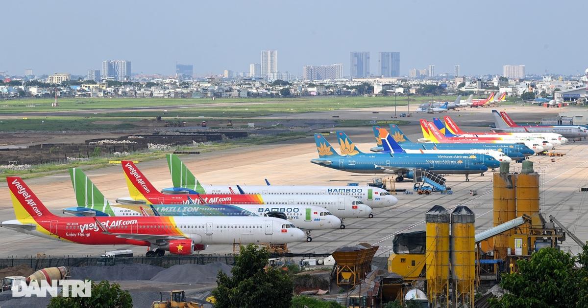 Ám ảnh hàng trăm tàu bay 'đắp chiếu' nằm la liệt tại Cảng Nội Bài, Tân Sơn Nhất