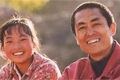Cú bẻ lái bất ngờ của 'cô gái nuôi lợn' thành sao nhờ Trương Nghệ Mưu