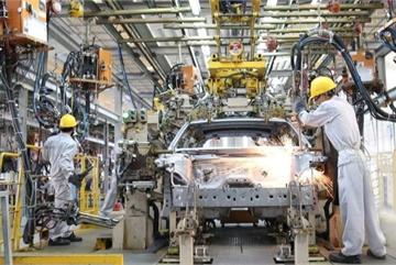 Gần 4 năm bỏ thuế nhập linh kiện, ngành ô tô Việt vẫn phụ thuộc nước ngoài