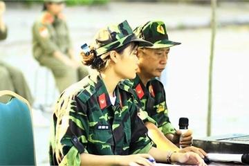 Nữ giảng viên quân sự dịu dàng chia sẻ về tình yêu màu xanh áo lính