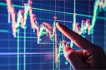 """Cổ phiếu đỏ sàn, người nhà nhiều """"sếp"""" ngân hàng bị phạt nặng"""