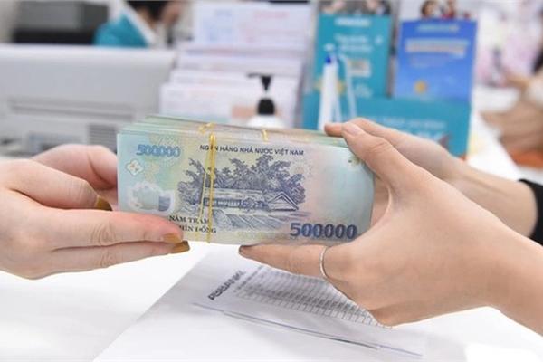 Bao nhiêu tiền của ngân hàng đang chảy vào bất động sản?
