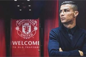 """""""Bom tấn"""" Ronaldo """"phát nổ"""" khiến trang chủ CLB Manchester United bị sập"""