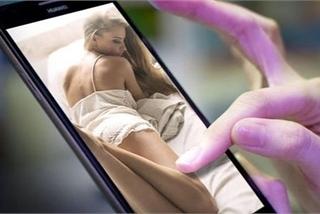 """Tự sát vì bị người nhà phát hiện smartphone có chứa ảnh """"nóng"""""""