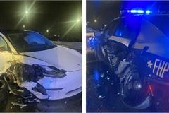 Vừa bật tính năng Autopilot, xe Tesla đã đâm gục xe cảnh sát