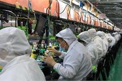 Nơi sản xuất một nửa iPhone của thế giới 'khát' lao động, tăng lương kỷ lục