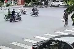 Phóng nhanh vượt đèn đỏ, thanh niên gây tai nạn kinh hoàng cho người khác