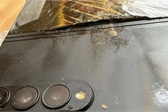 Smartphone gập Galaxy Z Fold3 phát nổ sau khi bị đánh rơi