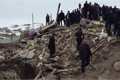 Earthquake kills at least 9 in Turkey, injures many in Iran