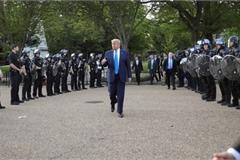 George Floyd death: Trump threatens to send in army to end unrest