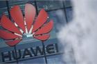 Anh tuyên bố loại Huawei khỏi mạng 5G