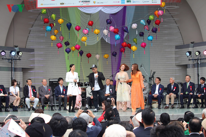 japanese audience get taste of vietnamese culture at festival 2019 hinh 2