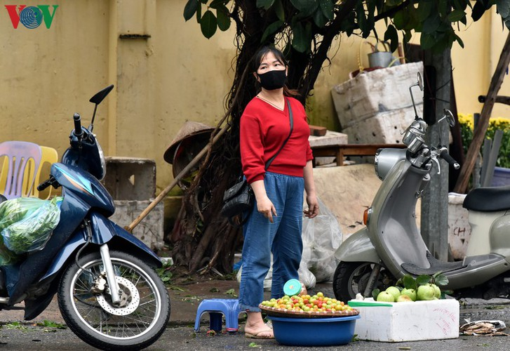 street vendors struggle to earn a living during covid-19 epidemic hinh 13