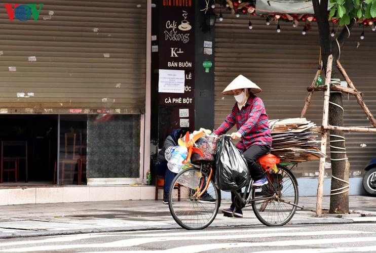 street vendors struggle to earn a living during covid-19 epidemic hinh 8