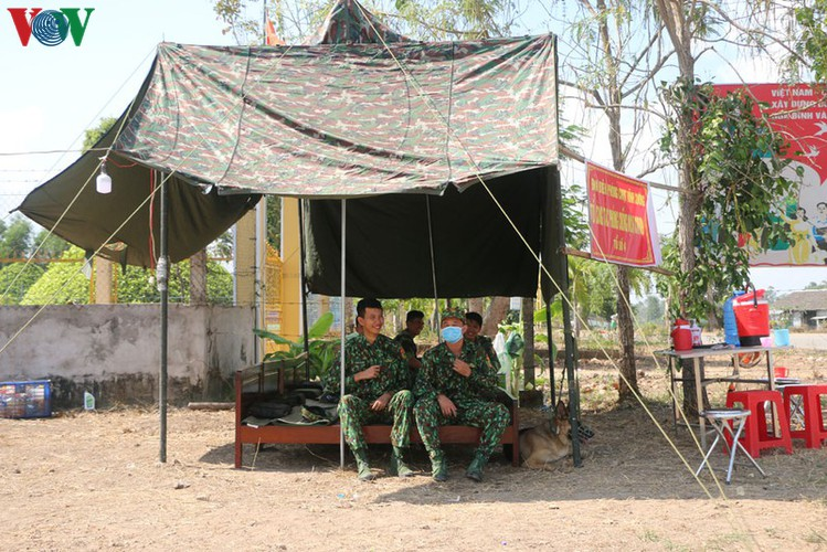 covid-19: a firm protective shield erected along south-western border hinh 11