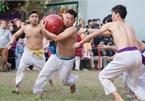 Thrilling Vat Cau festival excites crowds in Hanoi