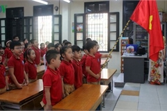 Kindergarten, primary school pupils head back to school in Hanoi