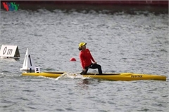 Vietnam's Phuong clinches second gold medal in canoeing event