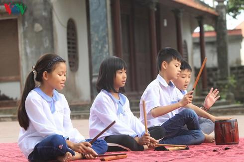northern village helps make unique folk singing thrive again hinh 1