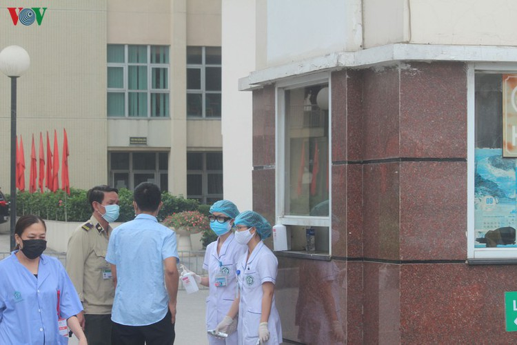 hanoi hospital under scrutiny after covid-19 infection hinh 4