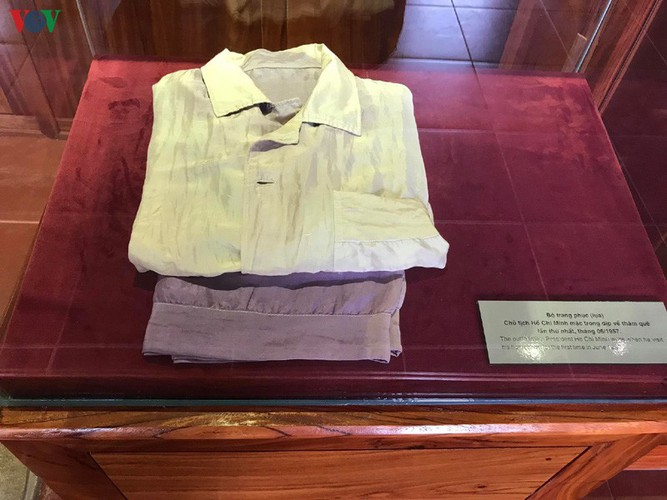 a look at president ho chi minh's house throughout his childhood hinh 14