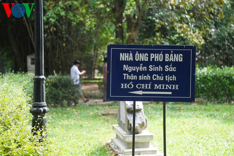 a look at president ho chi minh's house throughout his childhood hinh 2