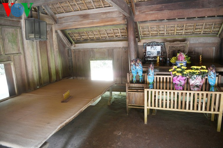 a look at president ho chi minh's house throughout his childhood hinh 4